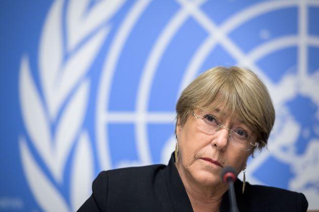 O presidente também atacou o pai de Bachelet, Alberto Bachelet, general da Força Aérea...