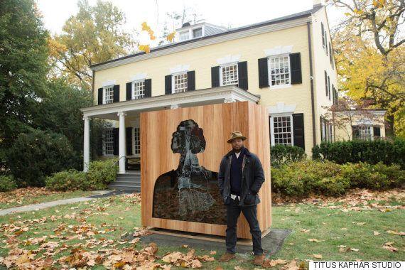 '안티 기념물'로 학교의 노예 역사를 속죄한 명문대가