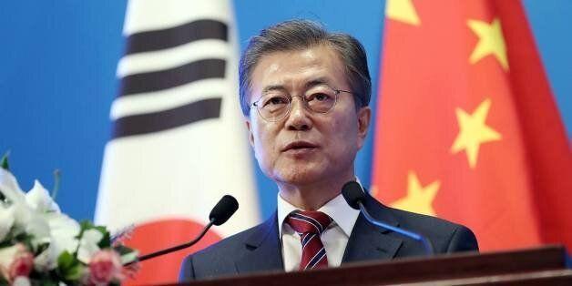 문재인 대통령이 '기자 폭행' 사건과 관련해 중국 기자단을