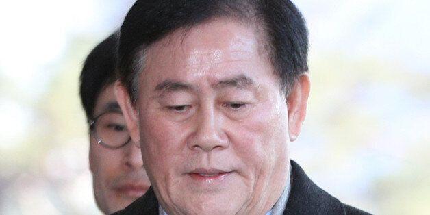 '국정원 특활비 의혹' 최경환 檢 출석...