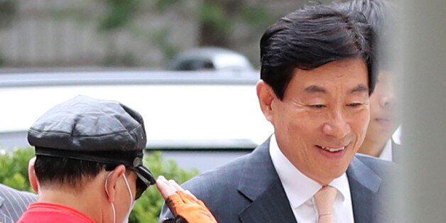 원세훈, 국정원 해외공작비로 부인 위해 강남아지트에 10억원 인테리어
