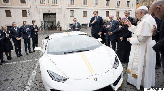 프란치스코 교황 에디션 '람보르기니'가 경매에 나온다