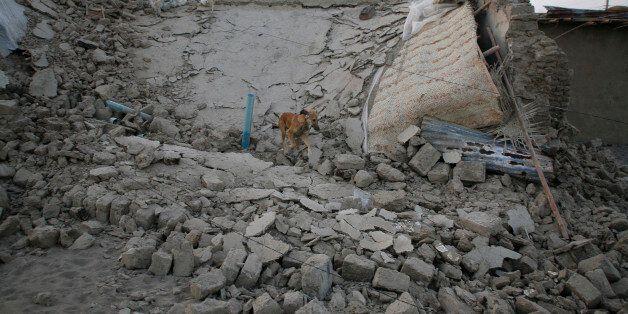 2013년 4월18일 이란-파키스탄 국경에서 발생한 지진으로 무너진