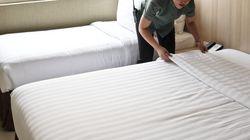 호텔 직원들이 일상적으로 겪는 성희롱을