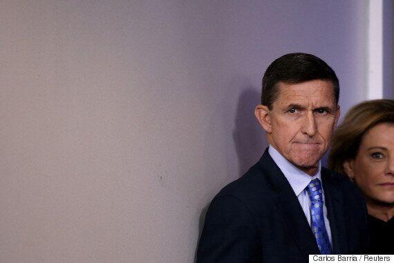 트럼프 측근 마이클 플린이 로버트 뮬러의 러시아 스캔들 수사에 협조할 수도