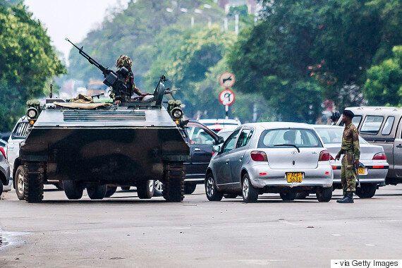 쿠데타? '세계 최악'의 독재자 짐바브웨 로버트 무가베가 곧 제거될지도