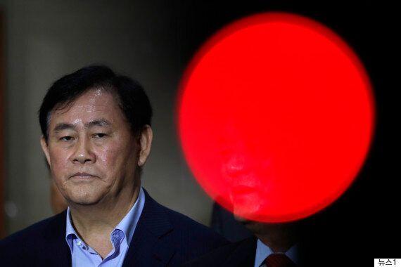 검찰 '특활비 1억원 수수' 최경환 자택·사무실