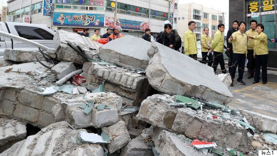 지진 뒤 피난민 괴롭히는 '이코노미클래스