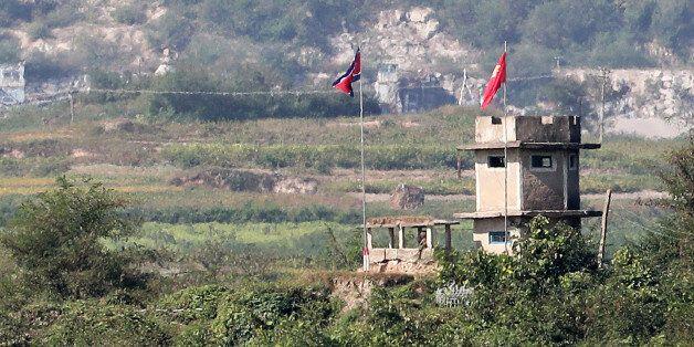 북한군 1명, 귀순 도중 북 총격으로 부상...긴급