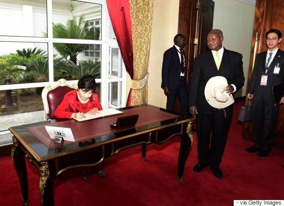 짐바브웨에서 37년 무가베 시대가 막을 내린다: 무가베 사태를 통해 본 아프리카 장기집권 지도자들의