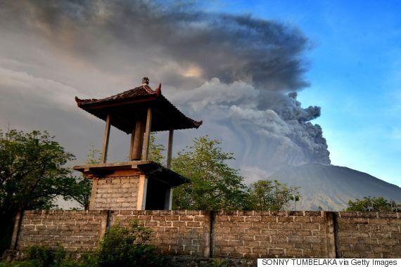 인니 발리 아궁화산 분화...화산재 4000m까지