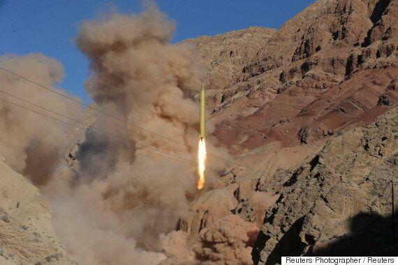이란 혁명수비대가 '유럽이 위협하면 미사일 사정 거리를 늘리겠다'고