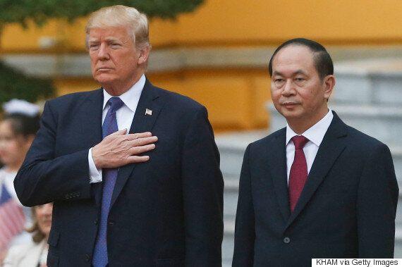 백악관 관계자들이 트럼프의 아시아 순방 때 외국 여성들과