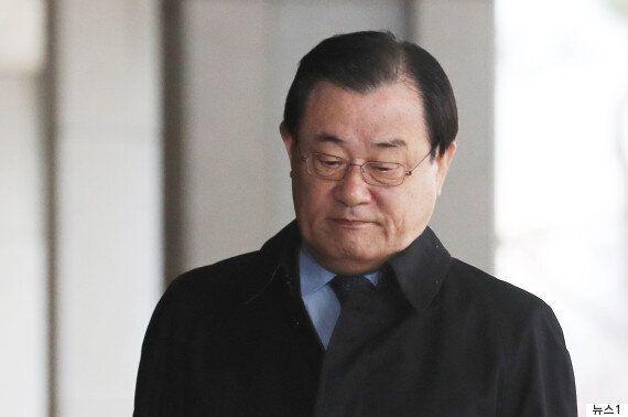 이병기도 구속영장...박근혜정부 국정원장 3명 구속