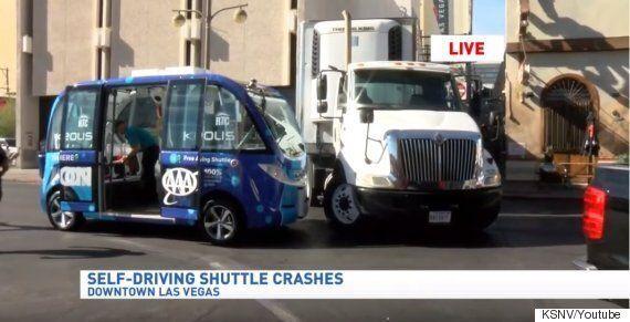 미국 라스 베이거스의 자율주행버스가 운행 2시간 만에 교통사고를