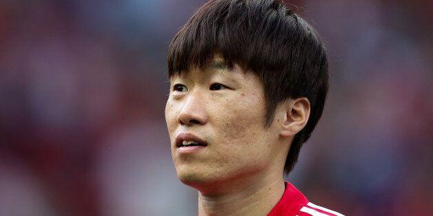MANCHESTER, ENGLAND - SEPTEMBER 02: Ji-Sung Park of Manchester United Legends during the match between...
