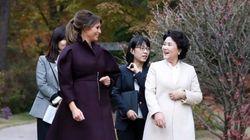 멜라니아와 김정숙 여사가 나눈 대화 (사진