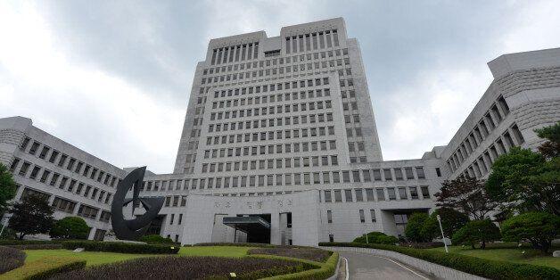 '여중생 성폭행·임신' 40대 기획사 대표 무죄