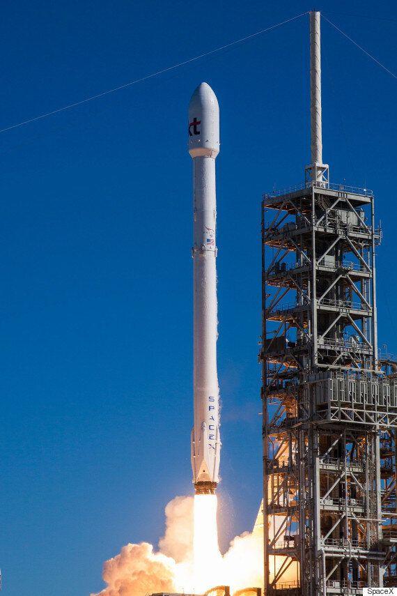 스페이스X가 한국 고객 가운데 처음으로 KT의 인공위성을 쏘아