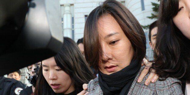 최순실씨의 조카 장시호씨가 8일 서울 서초동 서울중앙지법에서 열린 결심공판을 마친 뒤 법정을 나서고
