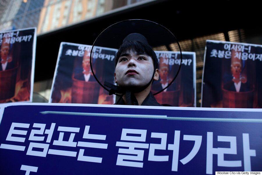 [화보] 도널드 트럼프 방한 앞둔 주말, '환영'과 '반대'가 엇갈린 서울의