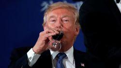 트럼프가 청와대 만찬에서 '술' 대신 마신