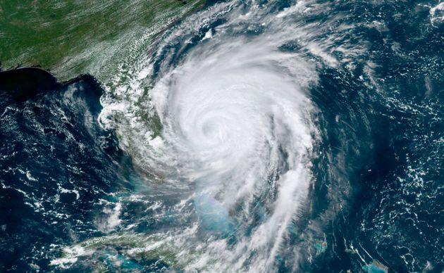 Cette photo satellite montre l'ouragan Dorian alors qu'il s'approchait de la