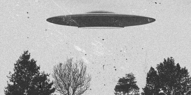 3d rendering of flying saucer ufo vintage