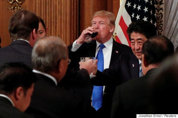 트럼프는 냉정했다. 미국이 일본에 무기 구매·무역적자 해소를 노골적으로