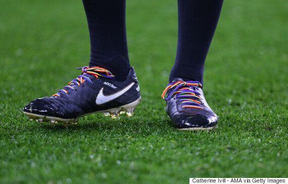 '풋볼매니저 2018'에서는 게이 선수들이 '커밍아웃'하는 모습을 볼 수