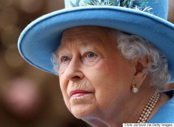 유출 문건 '파라다이스 페이퍼스'가 공개됐다. 영국 여왕도 조세회피처를