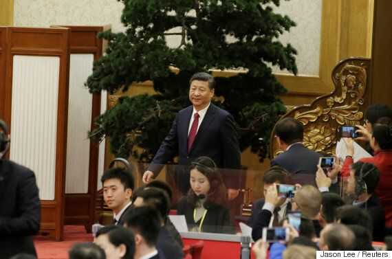중국이 새 지도부를 공개하는 내외신 기자회견에 '비판적' 서구 언론을