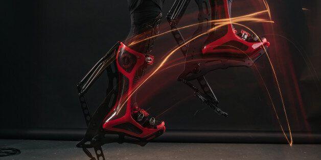 우사인 볼트만큼 빠르게 달릴 수 있는 '번개 신발'이