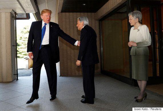 아키히토 일왕을 대하는 트럼프의 태도는 오바마와