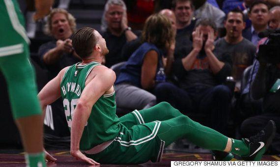 NBA 시즌 개막전에서 발목이 부러진 1500억짜리 농구