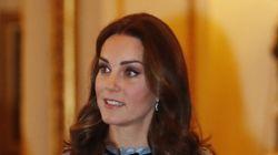 케이트 미들턴의 임신 소식 후 첫 공식