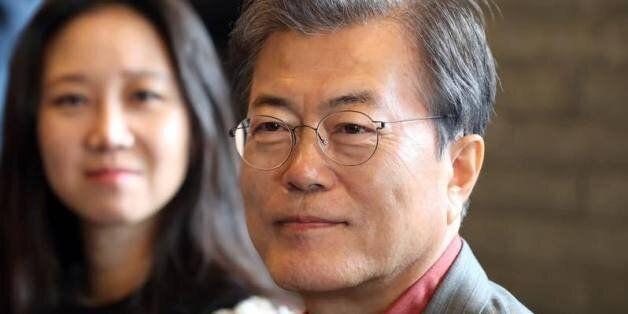 문대통령이 부산국제영화제에서 선택한 영화는 (두) 여성에 관한