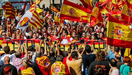 [화보] '카탈루냐 독립 반대' 대규모 시위가
