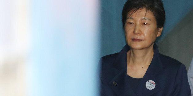 법원이 박근혜의 국선변호인 선임에