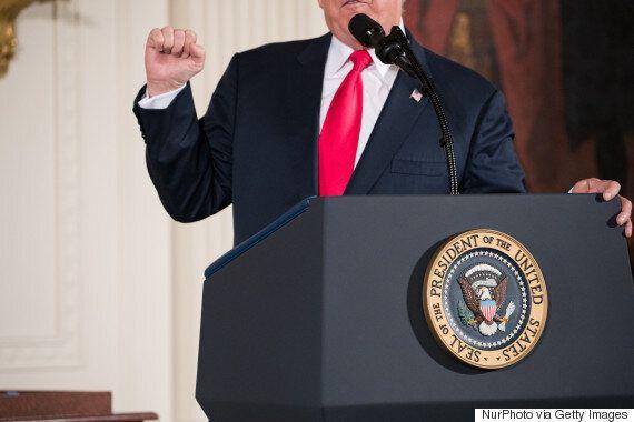 트럼프를 '멍청이'라고 부른 국무장관에게 보내는