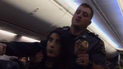 이 승객이 항공기에서 강제 하차한