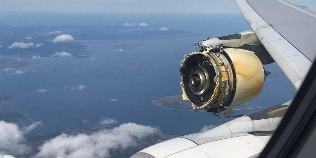 에어프랑스 여객기가 '심각한 엔진 손상'으로