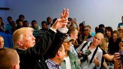 트럼프가 허리케인 이재민들에게 종이 타월을