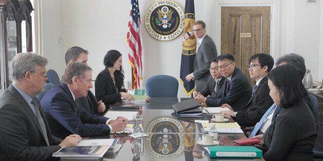 한국과 미국이 한미 FTA 개정 협상 착수에