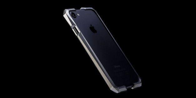아이폰보다 두 배 가까이 비싼 아이폰 케이스의 모습은