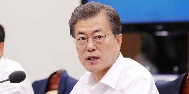 문재인 대통령이 홍준표의 '정치사찰' 의혹 제기에 답한