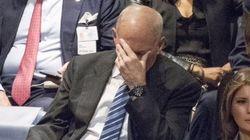 미국 비서실장의 '절망 짤'에 백악관이 밝힌