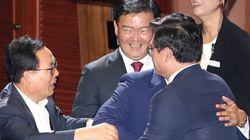 한국당 의원들은 오늘 무척