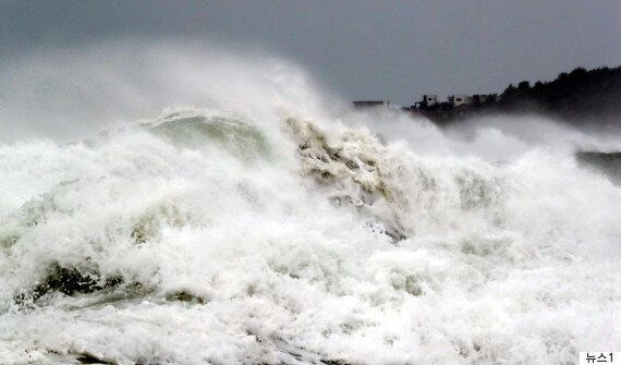 제주와 부산 바다를 지나갈 태풍 '탈림'의 현재