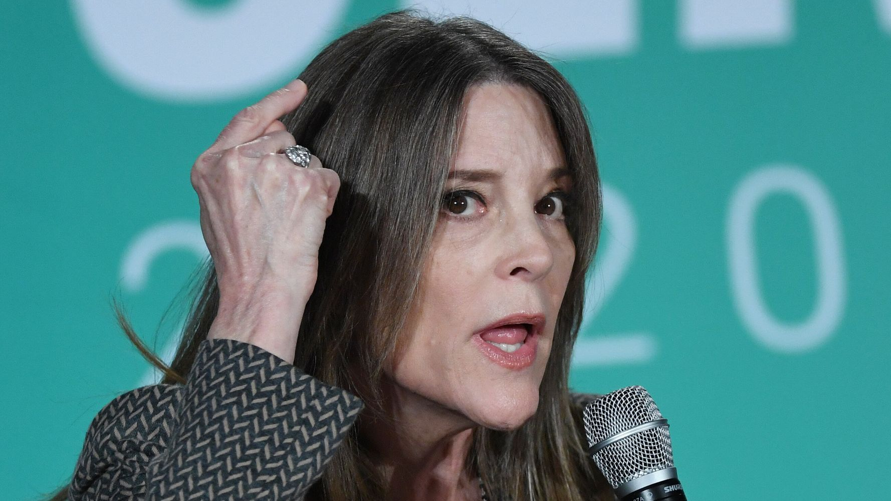 Westlake Legal Group 5d6ff1052400004f0074267b Marianne Williamson Deletes Tweet Crediting Mind Power For Shifting Dorian's Path